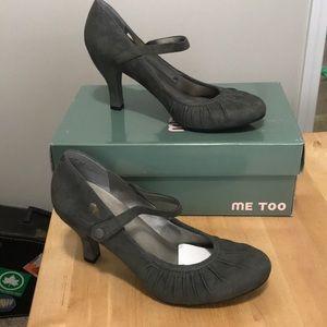 Me Too Grey Suede heels brand new size 8